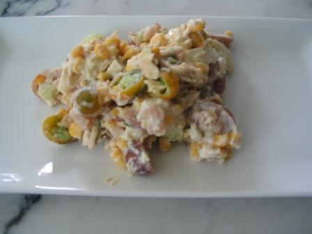 albacore_tuna_salad_with_green_grape_heirloom_tomatoes_and_corn