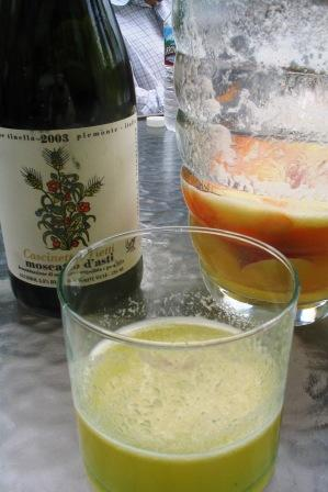 almost_empty_pitcher_of_nectarine_white_peach_apricot_sangria_made_with_moscato_dasti