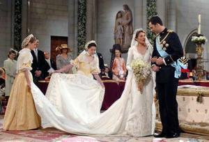 10 самых красивых свадебных платьев.  Элегантные платья для офиса.