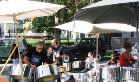 steel_drums_at_trader_joes_capitol_hill_seattle_opening